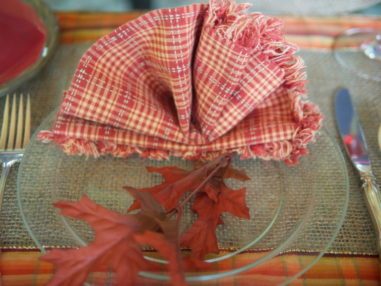 burlap/ribbon tablescape
